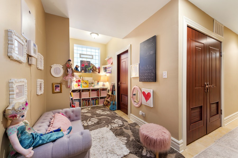 Real Estate Photography - 840 E 52Nd Street, 1E, Chicago, IL, 60615 - Lower Level
