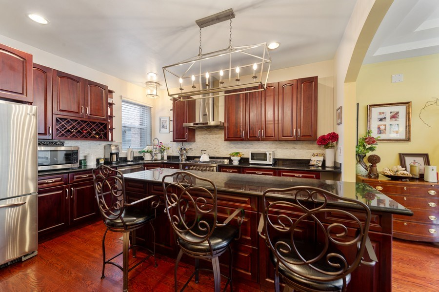 Real Estate Photography - 840 E 52Nd Street, 1E, Chicago, IL, 60615 - Kitchen