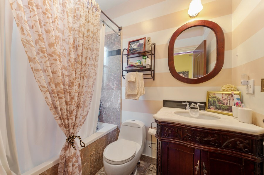 Real Estate Photography - 840 E 52Nd Street, 1E, Chicago, IL, 60615 - Bathroom