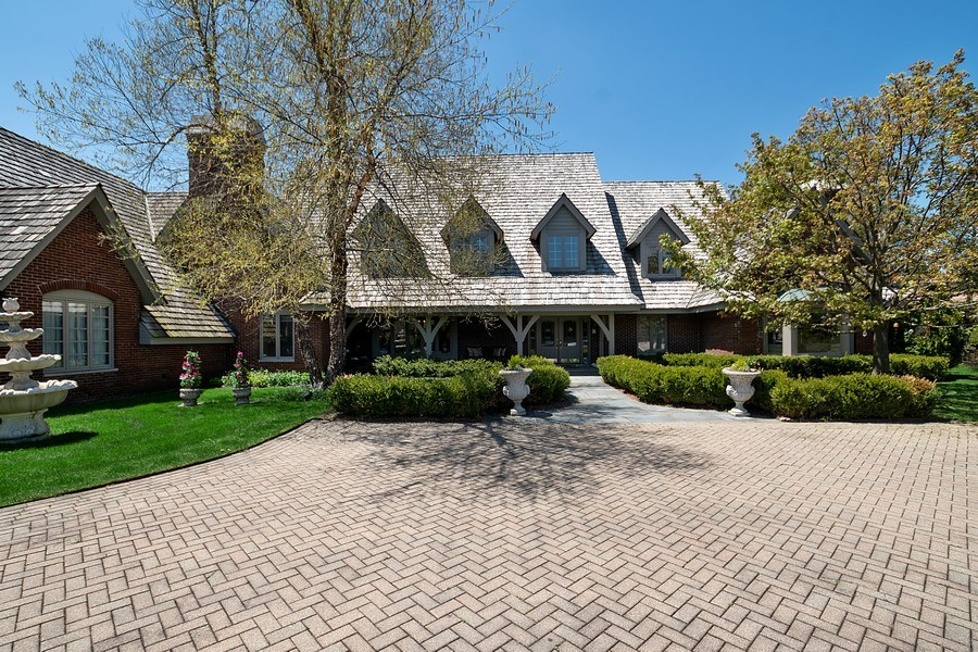 Real Estate Photography - 1390 Kathryn Ln, Lake Forest, IL, 60045 - Front Exterior