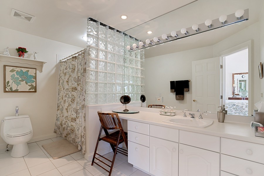 Real Estate Photography - 1390 Kathryn Ln, Lake Forest, IL, 60045 - 2nd Bathroom