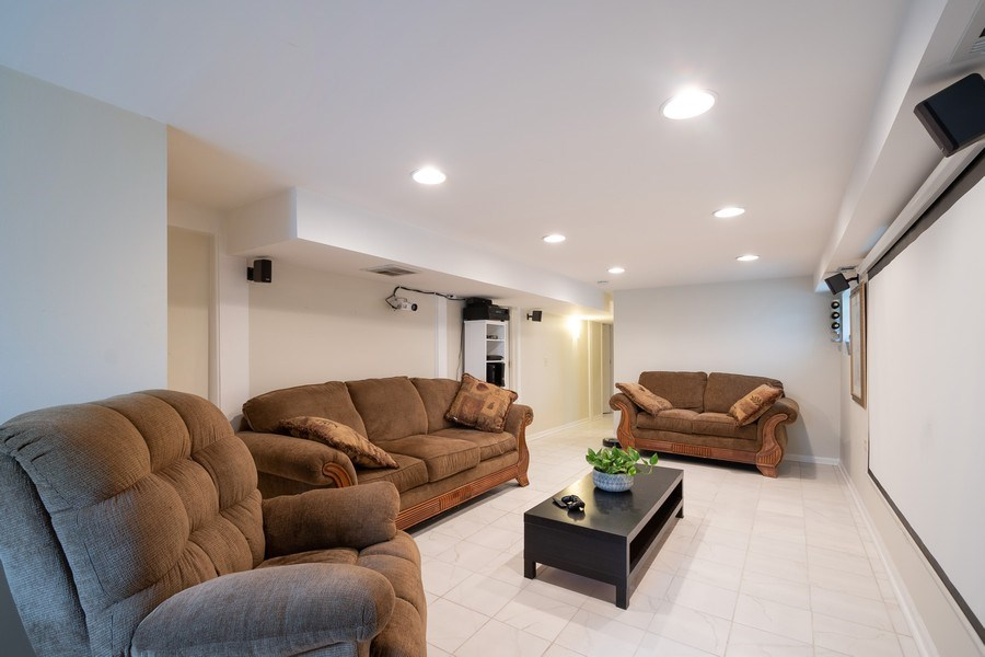 Real Estate Photography - 901 N Francisco Ave, Chicago, IL, 60622 - Family Room Unit 1F duplex down