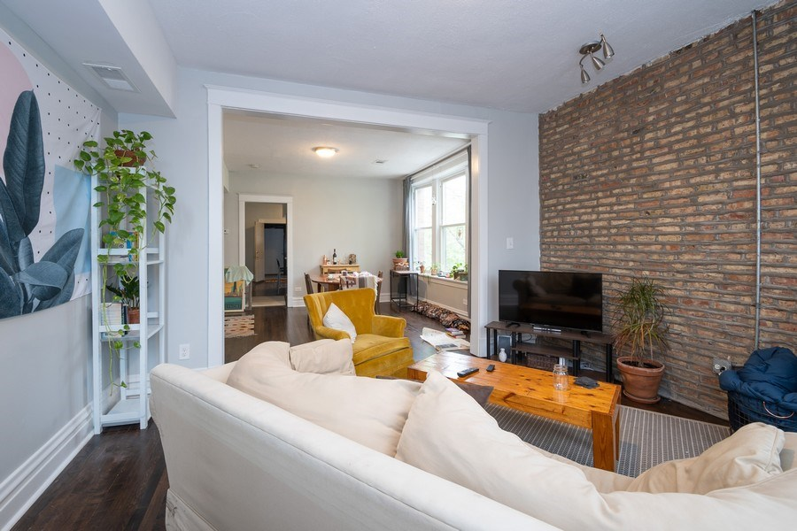 Real Estate Photography - 901 N Francisco Ave, Chicago, IL, 60622 - Living / Dining Room Unit 2F