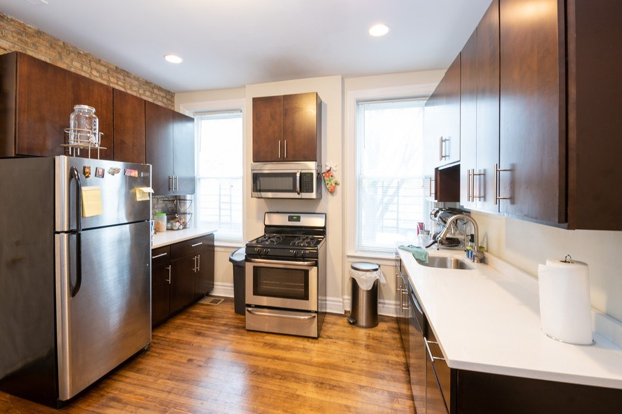 Real Estate Photography - 901 N Francisco Ave, Chicago, IL, 60622 - Kitchen