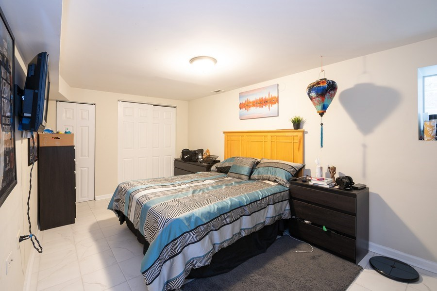 Real Estate Photography - 901 N Francisco Ave, Chicago, IL, 60622 - Bedroom