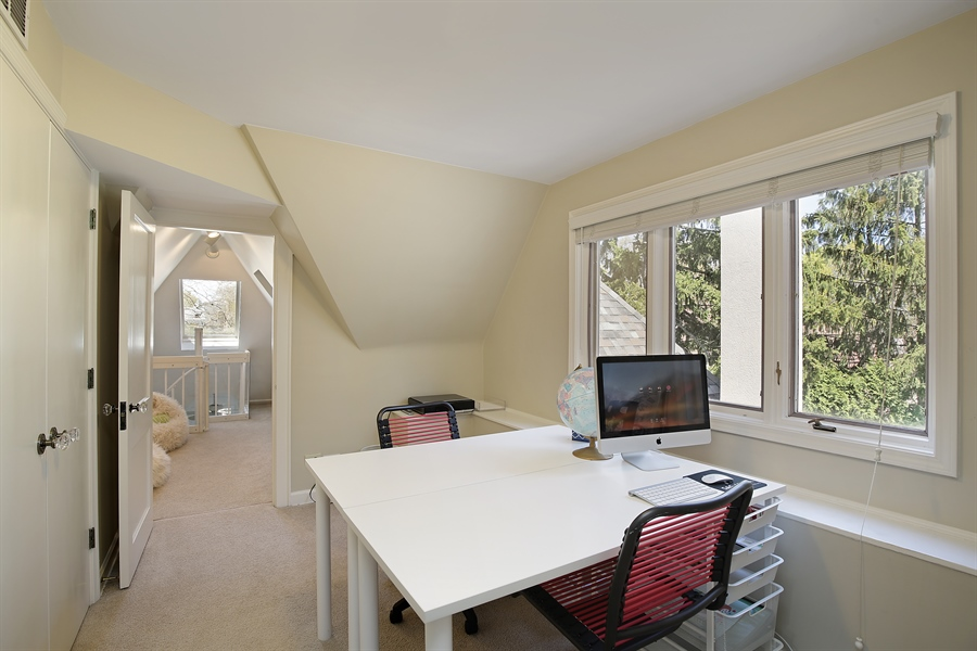 Real Estate Photography - 339 N Deere Park Dr W, Highland Park, IL, 60035 - 5th Bedroom/Homework Room