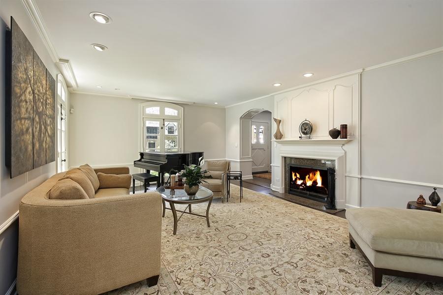 Real Estate Photography - 339 N Deere Park Dr W, Highland Park, IL, 60035 - Living Room