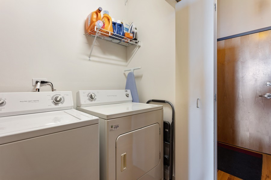 Real Estate Photography - 1720 S. Michigan, #1907, Chicago, IL, 60616 - Laundry Room