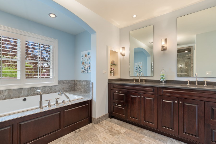 Real Estate Photography - 813 S Dunton Ave, Arlington Heights, IL, 60005 - Master Bathroom