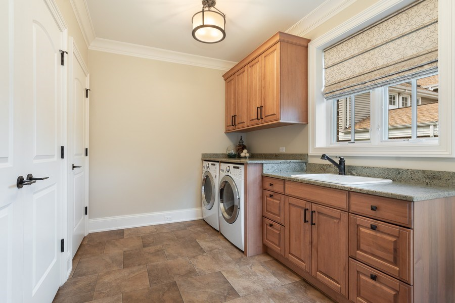 Real Estate Photography - 813 S Dunton Ave, Arlington Heights, IL, 60005 - Laundry Room