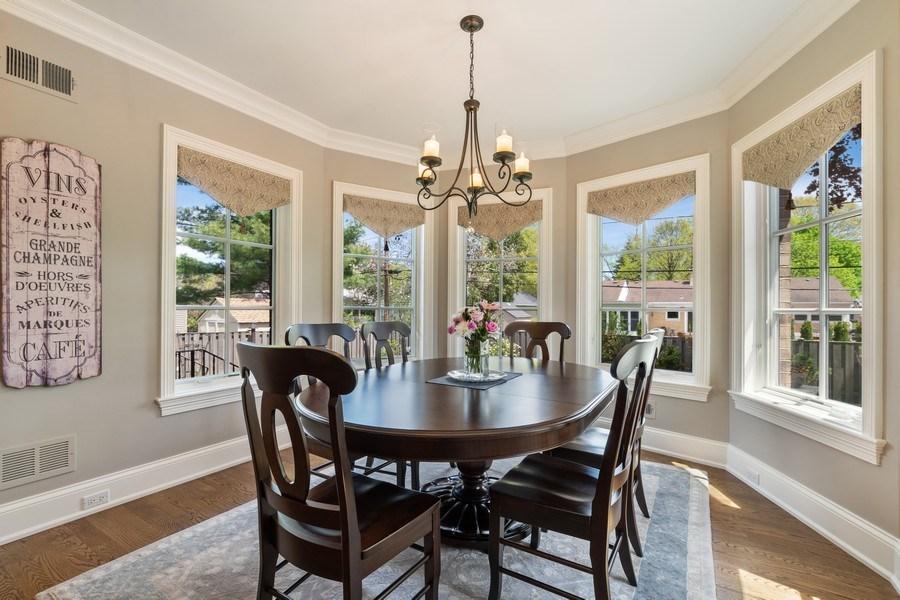 Real Estate Photography - 813 S Dunton Ave, Arlington Heights, IL, 60005 - Breakfast nook
