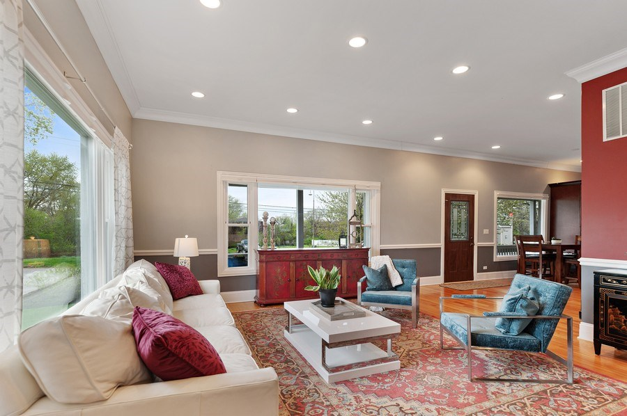 Real Estate Photography - 225 Bluff Ave., Grayslake, IL, 60030 - Living Room