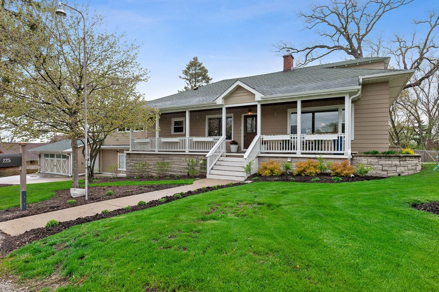 Real Estate Photography - 225 Bluff Ave., Grayslake, IL, 60030 - Front View