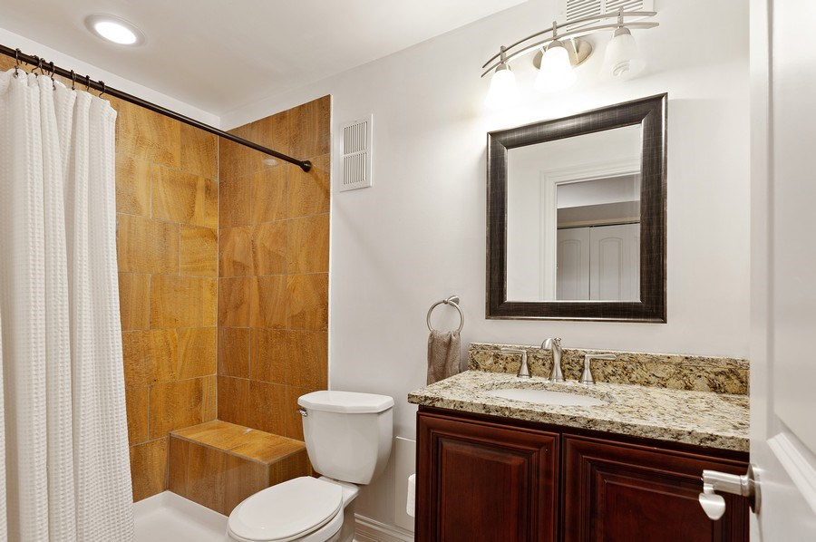 Real Estate Photography - 225 Bluff Ave., Grayslake, IL, 60030 - 2nd Bathroom