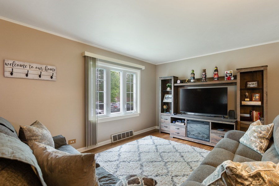Real Estate Photography - 5234 S MASON AVENUE, Chicago, IL, 60638 - Living Room