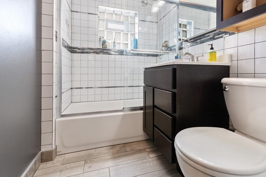 Real Estate Photography - 5234 S MASON AVENUE, Chicago, IL, 60638 - Bathroom