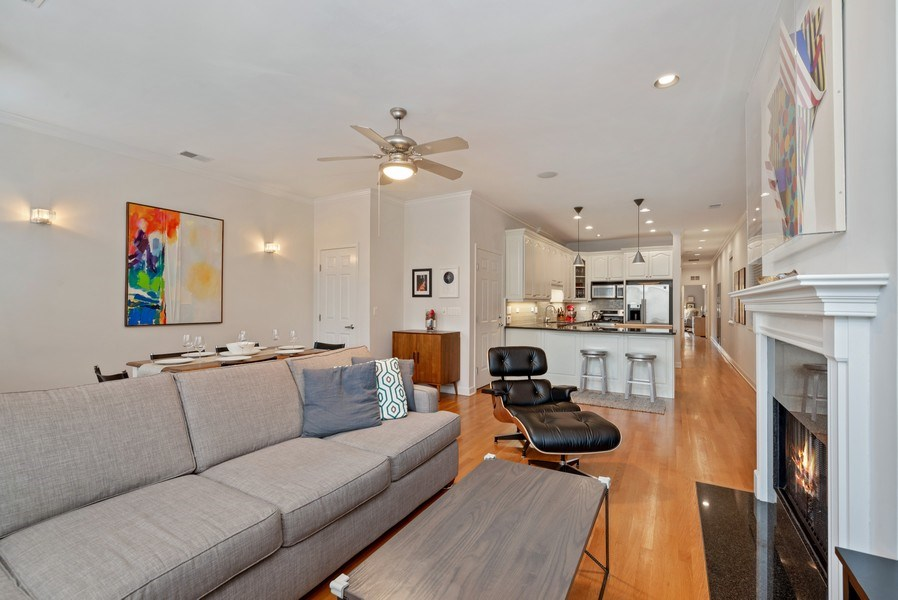 Real Estate Photography - 3839 N Southport Ave, #2, Chicago, IL, 60613 - Great Room