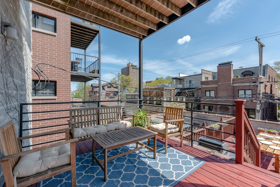 Real Estate Photography - 3839 N Southport Ave, #2, Chicago, IL, 60613 -