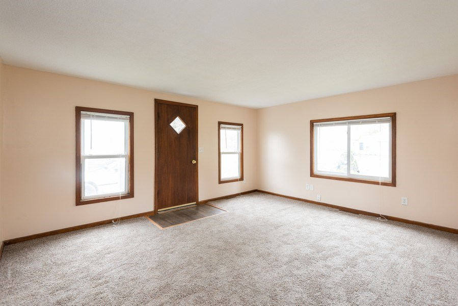 Real Estate Photography - 6147 Milton Ct., Coloma, MI, 49038 - Family Room