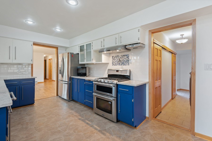 Real Estate Photography - 4679 Wil-O-Paw Drive, Coloma, MI, 49038 - Kitchen