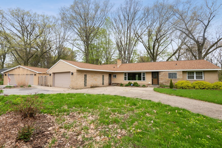 Real Estate Photography - 4679 Wil-O-Paw Drive, Coloma, MI, 49038 - Front View