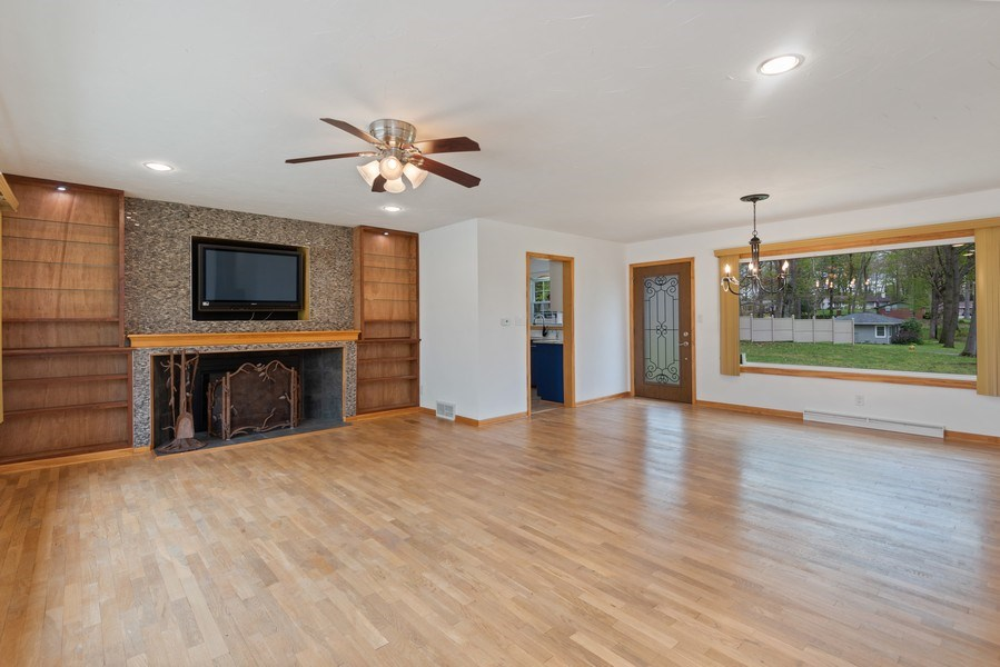 Real Estate Photography - 4679 Wil-O-Paw Drive, Coloma, MI, 49038 - Living Room / Dining Room