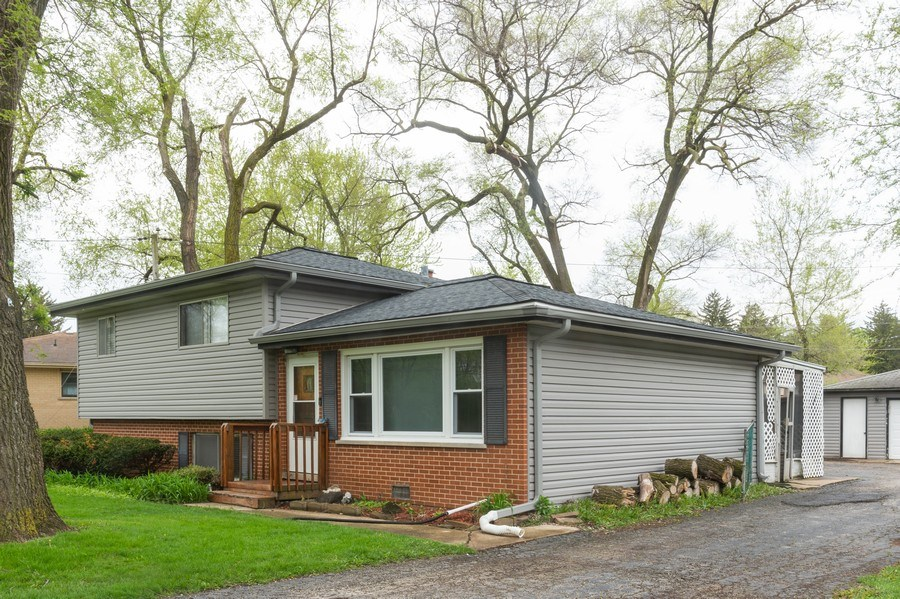 Real Estate Photography - 454 S. Villa Ave, Addison, IL, 60101 - Front View