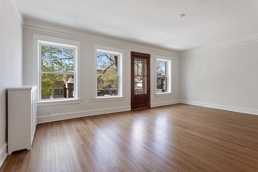 Real Estate Photography - 5483 S Hyde Park, Apt 3 N, Chicago, IL, 60615 - Living Room