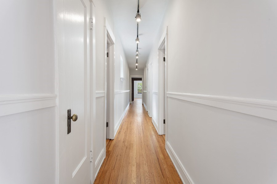 Real Estate Photography - 5483 S Hyde Park, Apt 3 N, Chicago, IL, 60615 - Hallway