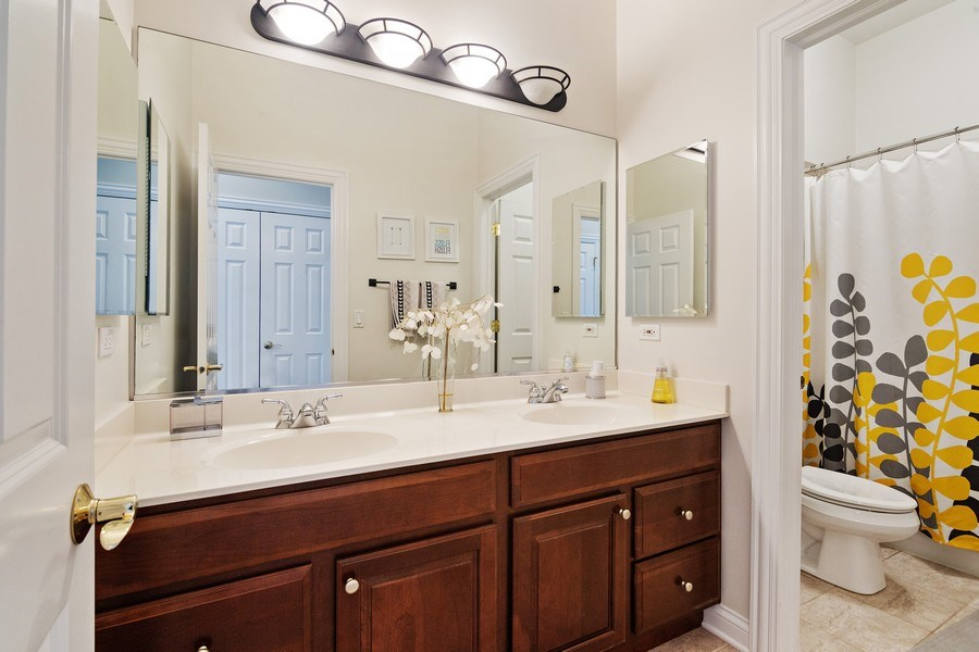 Real Estate Photography - 1650 Constitution, Glenview, IL, 60026 - Bathroom