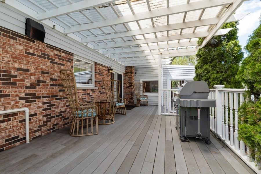 Real Estate Photography - 908 W Berkley Dr, Arlington Heights, IL, 60004 - Deck