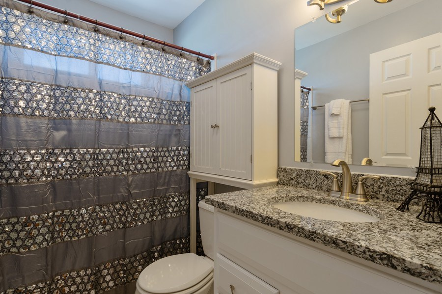 Real Estate Photography - 908 W Berkley Dr, Arlington Heights, IL, 60004 - 2nd Bathroom