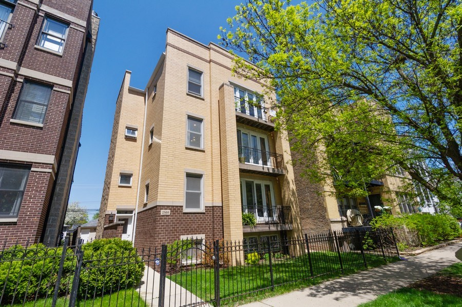 Real Estate Photography - 2146 W Addison, Unit 2, Chicago, IL, 60618 - Front View