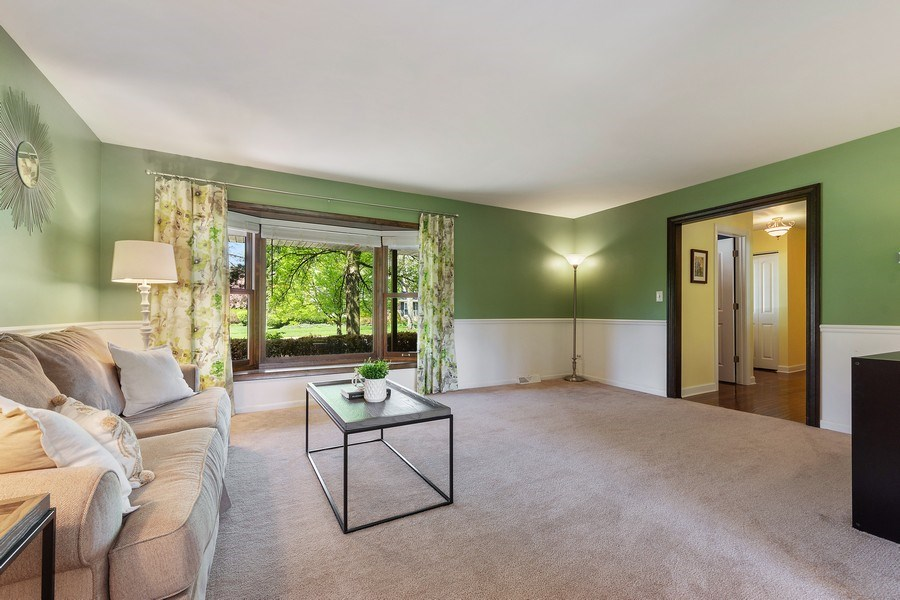 Real Estate Photography - 2123 N. Williamsburg St., Arlington Heights, IL, 60004 - Living Room