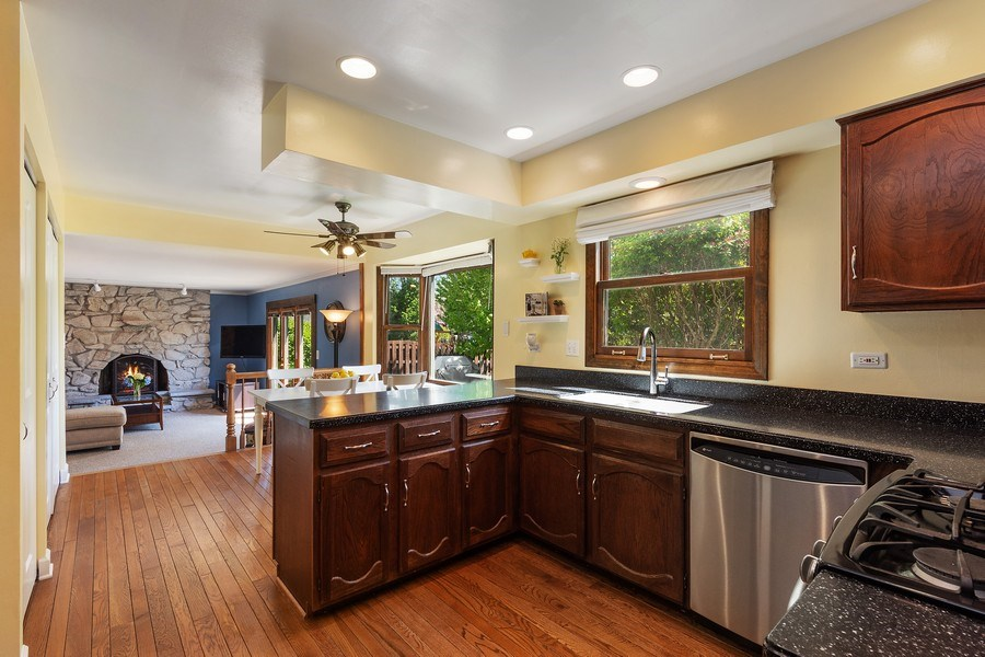Real Estate Photography - 2123 N. Williamsburg St., Arlington Heights, IL, 60004 - Kitchen