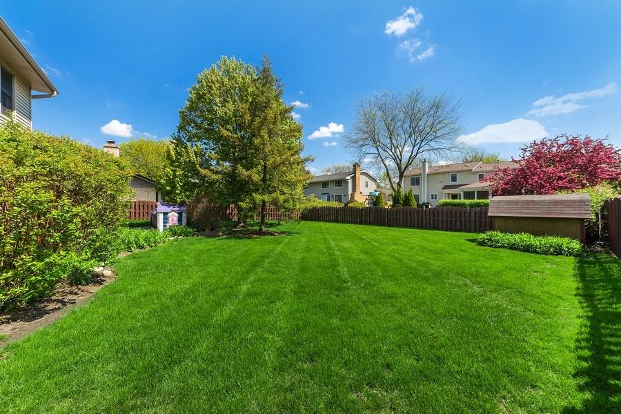 Real Estate Photography - 2123 N. Williamsburg St., Arlington Heights, IL, 60004 - Back Yard