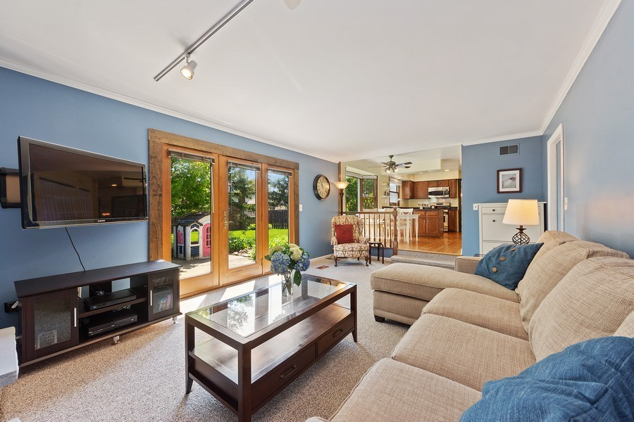 Real Estate Photography - 2123 N. Williamsburg St., Arlington Heights, IL, 60004 - Family Room