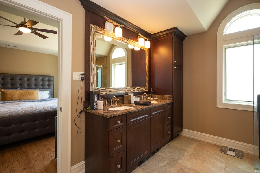 Real Estate Photography - 11 Gillick, Park Ridge, IL, 60068 - Master Bathroom