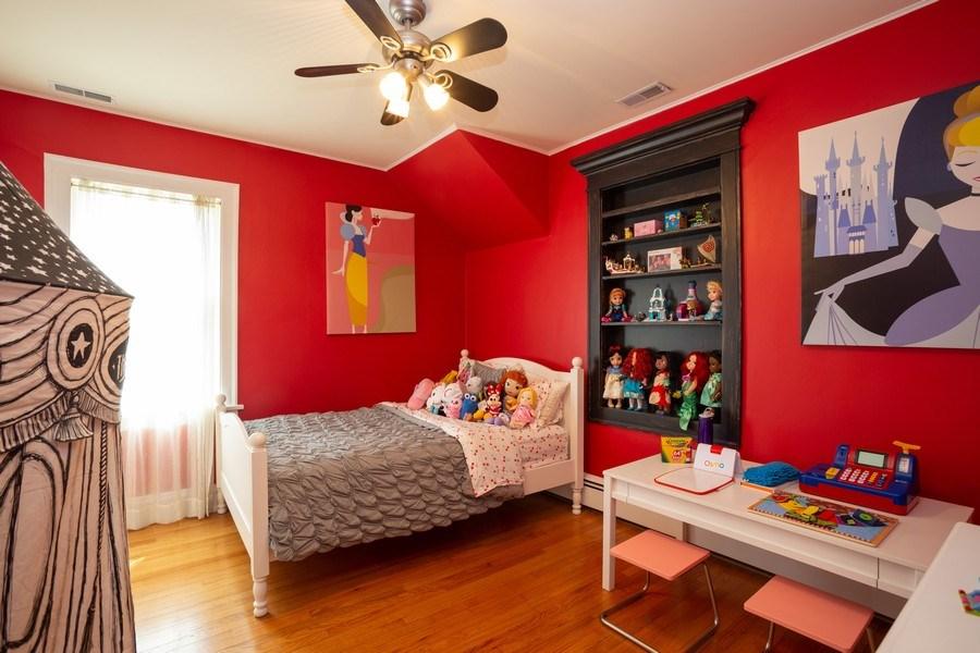 Real Estate Photography - 11 Gillick, Park Ridge, IL, 60068 - Bedroom
