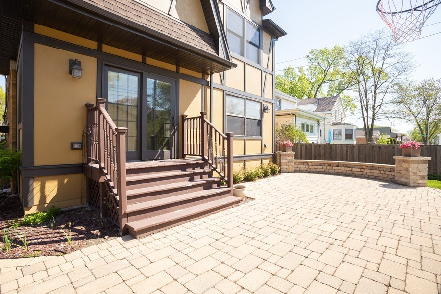 Real Estate Photography - 11 Gillick, Park Ridge, IL, 60068 - Patio