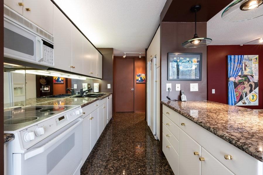 Real Estate Photography - 360 E RandolphSt., #3305, Chicago, IL, 60601 - Kitchen