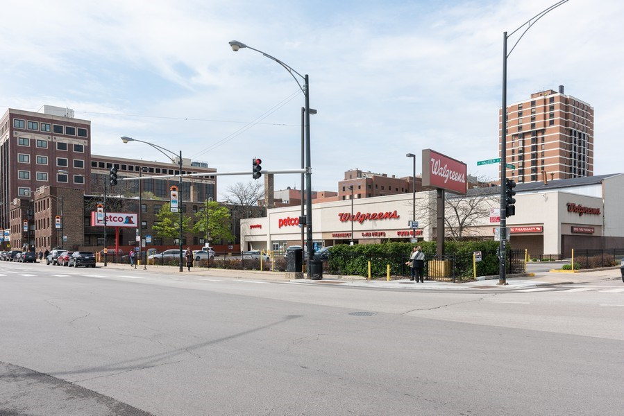 Real Estate Photography - 3113 N Halsted St, Chicago, IL, 60657 -