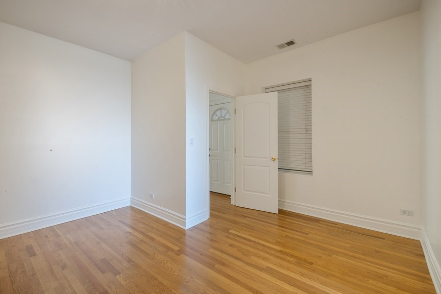 Real Estate Photography - 1352 W Bryn Mawr Ave., #1, Chicago, IL, 60660 - Master Bedroom