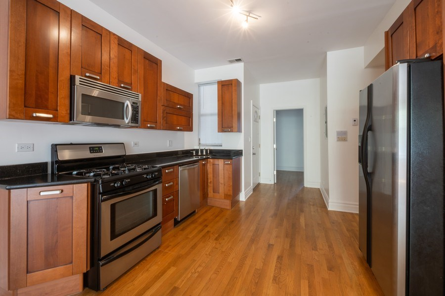 Real Estate Photography - 1352 W Bryn Mawr Ave., #1, Chicago, IL, 60660 - Kitchen
