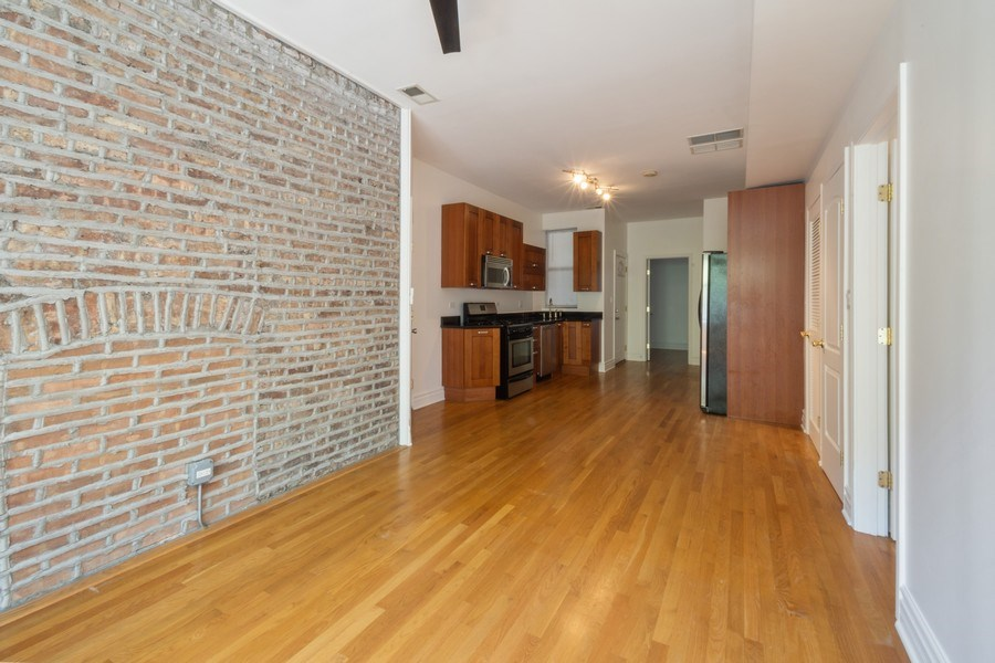 Real Estate Photography - 1352 W Bryn Mawr Ave., #1, Chicago, IL, 60660 - Kitchen / Living Room