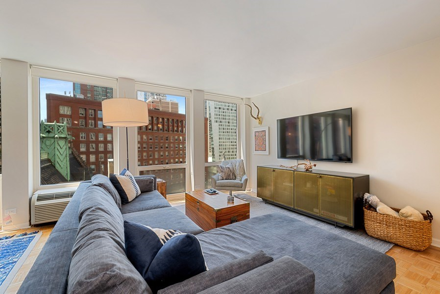 Real Estate Photography - 111 E Chestnut, #11J, Chicago, IL, 60611 - Living Room
