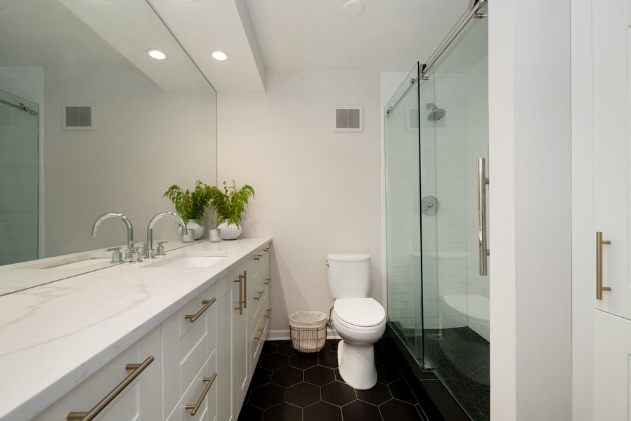 Real Estate Photography - 111 E Chestnut, #11J, Chicago, IL, 60611 - Bathroom