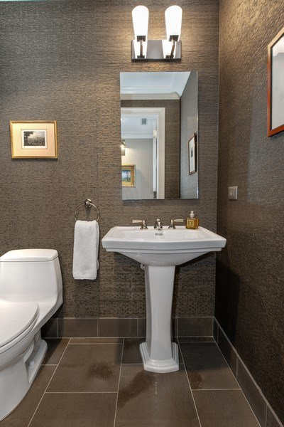Real Estate Photography - 2550 N Lakeview Ave, Unit S1201, Chicago, IL, 60614 - Powder Room
