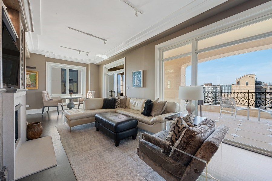 Real Estate Photography - 2550 N Lakeview Ave, Unit S1201, Chicago, IL, 60614 - Family Room