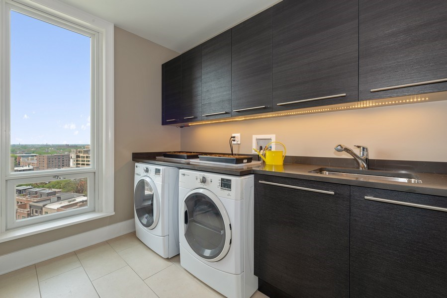 Real Estate Photography - 2550 N Lakeview Ave, Unit S1201, Chicago, IL, 60614 - Laundry Room